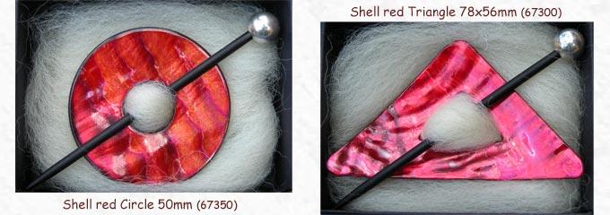 brooches shell red